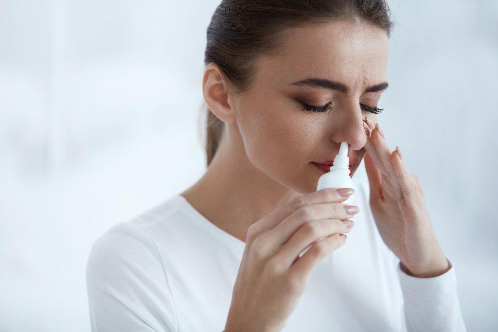 woman with sinusitis